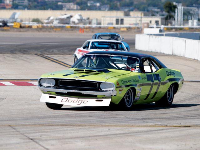 116_0704_01_zvintage_trans_am_racingdodge_team_factory_car1